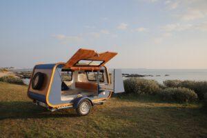 kurs kitesurfingu nocleg wypozyczalnia przyczep kempingowych kitesurfingu chalupy kitecrew